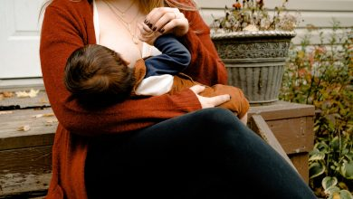 A Quick Guide to Breastfeeding for New Moms